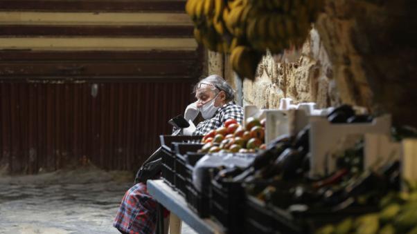 الدولار يواصل ارتفاعه كما هدر الدعم واستمرار التهريب.. والنتيجة أمن اللبنانيين الغذائي بخطر