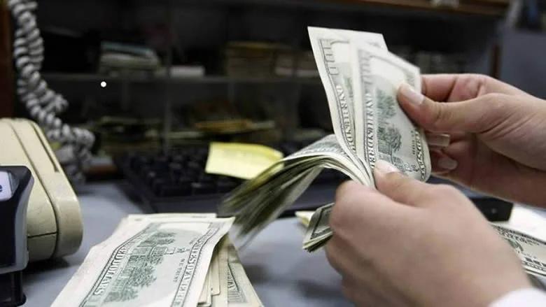 """سعر صرف """"الدولار"""" في السوق السوداء لليوم الإثنين"""