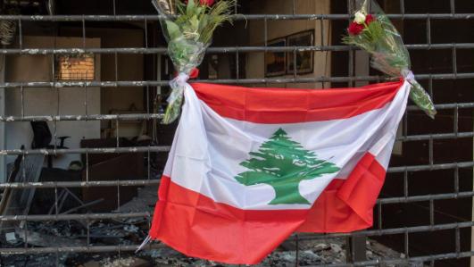 صيفٌ لبنانيٌّ ساخن: ما مصير سعر الدولار والعقارات؟