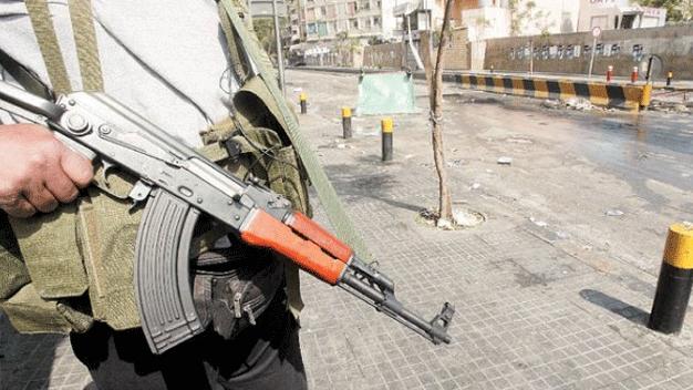 ضحية جديدة للسلاح المتفلّت.. قتل شرطي بلدية على خلفية ثأرية