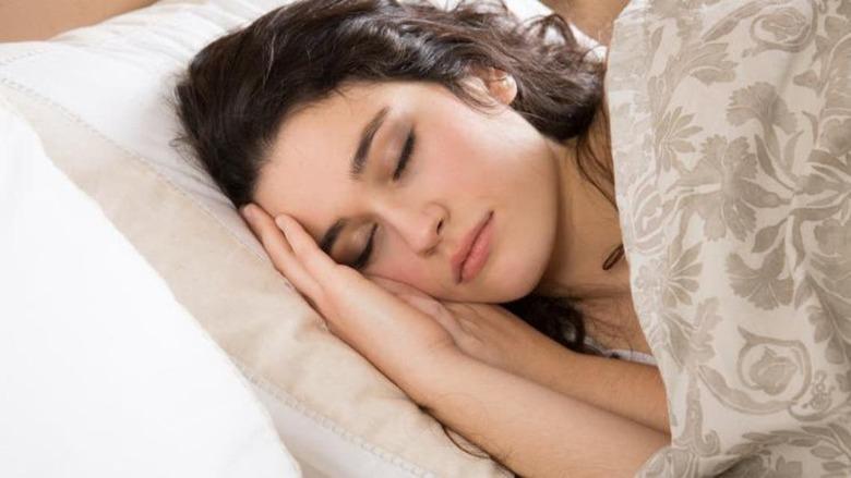 النائمون يمكنهم سماع المتحدث وإجابته أثناء الحلم