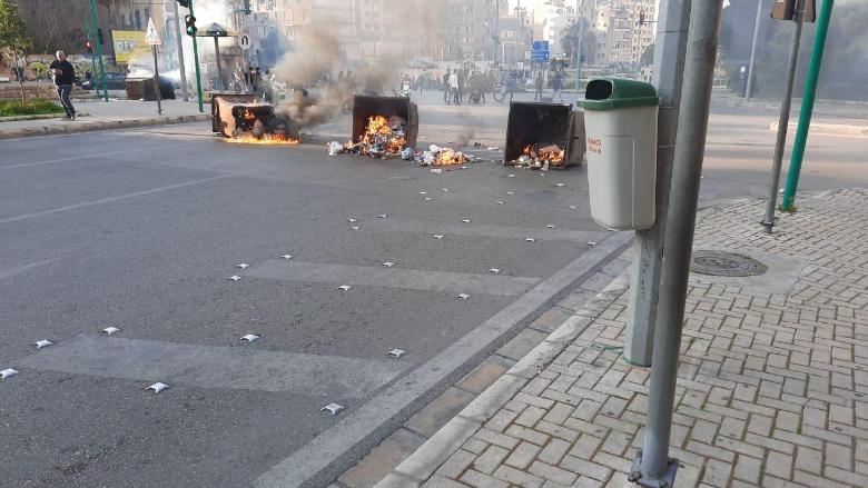 بالفيديو: قطع للطرقات في بيروت.. ما السبب؟