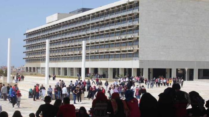 """متفرغو """"اللبنانية"""" مددوا إضرابهم.. وتهديد بالإضراب المفتوح"""