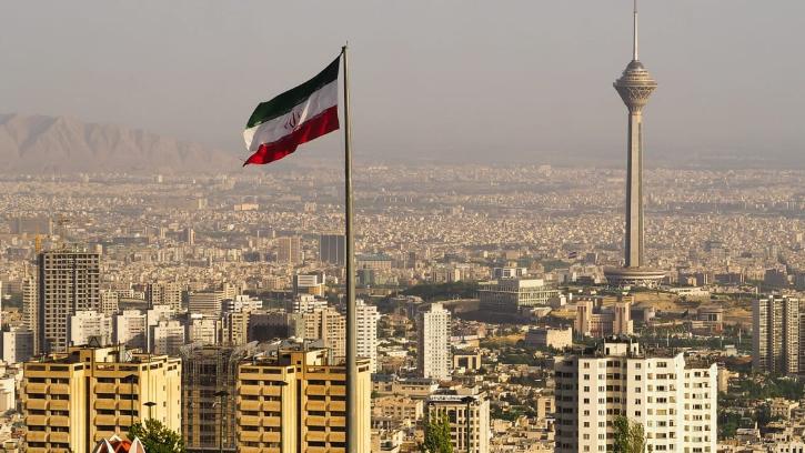 """إيران تطلق """"سياسة مواجهة ثلاثية الأبعاد"""" بوجه التحالف الأميركي – الأوروبي"""