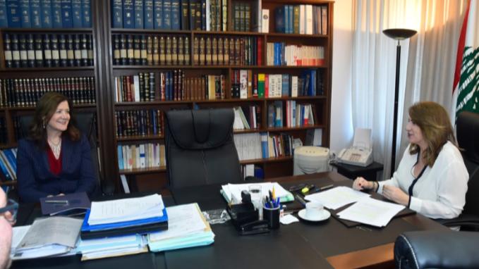 السفيرة الأميركية بحثت مع وزيرة العدل قضية إغتيال سليم وتشديد على أهمية محاسبة المتورطين