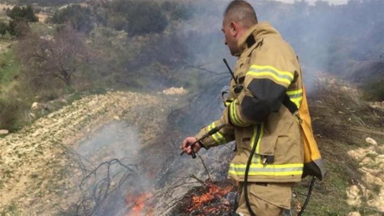 الدفاع المدني أخمد حريقا في عاصون ـ الضنية
