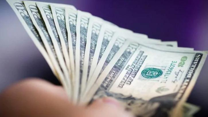 الدولار إلى مستويات قياسية... فهل المنصة الجديدة قادرة على الضبط؟