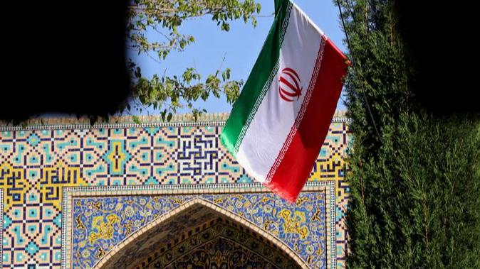 إيران... رياح السموم