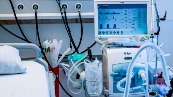 شركات توزيع الأوكسجين تناشد: لتسهيل مرور شاحناتنا لتلبية حاجة المستشفيات