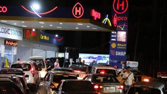 أسعار المحروقات تنخفض عالمياً.. كيف سيتأثر السوق اللبناني؟
