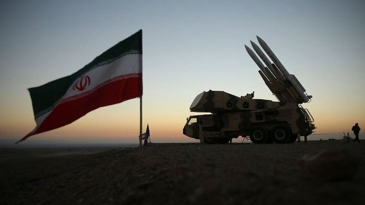 تأثّرات وتأثيرات إيران في المنطقة ولبنان