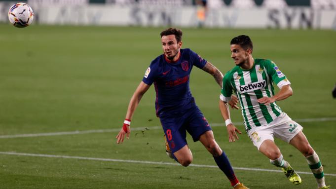 ريال بيتيس يهدي قطبي الكرة الأسبانية هدية ثمينة
