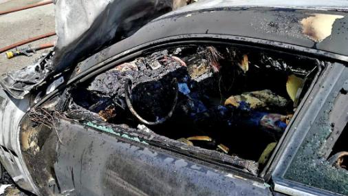 إخماد حريق سيارتين وفان في صربا وغوسطا والصفرا