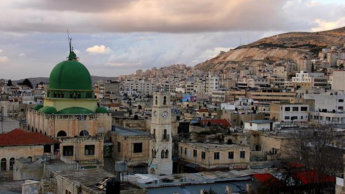 """من نابلس إلى حيفا.. """"الأرض بتتكلم عربي"""""""