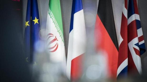 الغارديان: بعد محادثات أميركية - إيرانية سرّية.. إنفراجة تلوح بالأفق