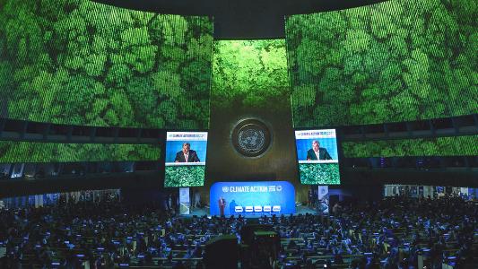 """""""كوكب الأرض على حافة الهاوية"""".. تعهدات لخفض التلوّث في """"قمة المناخ"""""""