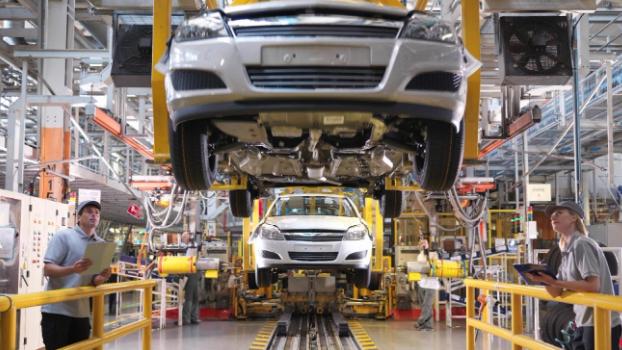 """بالأرقام: أسعار قطع السيارات تُحلّق.. والسلامة المروريّة """"في خبر كان"""""""