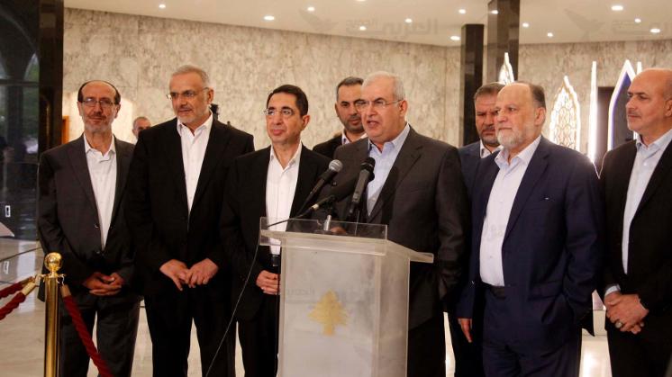 """مواقف حزب الله الحكومية """"ضبابية"""".. ماذا خلفها؟"""