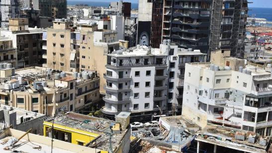 """الرياض تفتح """"نافذة مشروطة""""... لا باباً في الجدار الحكومي"""