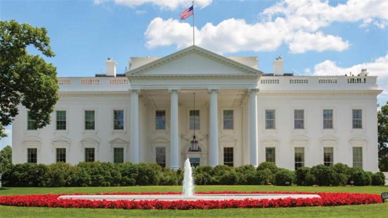 البيت الأبيض: لن نفرض على الأميركيين الإستحصال على جواز سفر صحي