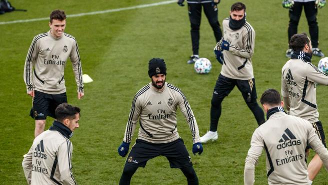 """ريال مدريد """"المُنهك"""" يغيّر خططه قبل الكلاسيكو"""