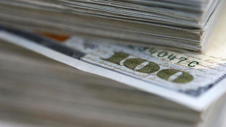 تراجع في سعر صرف الدولار.. وإنخفاض إضافي مُتوقع