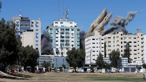 """بعد قصف """"برج الجلاء"""".. واشنطن تدعو إسرائيل لضمان سلامة الصحفيين"""