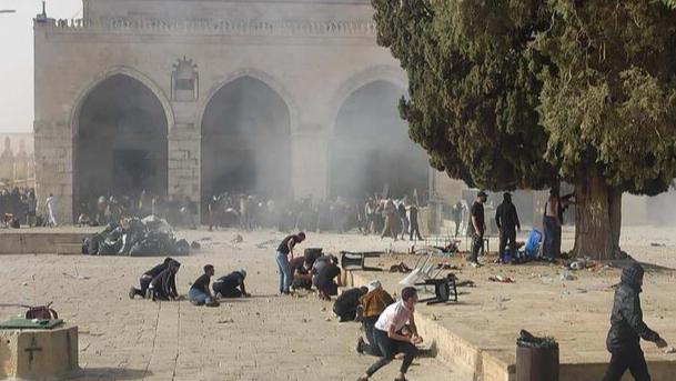 النائب جنبلاط: التحية لفلسطين والرحمة لشهدائها وللشهيد طحان