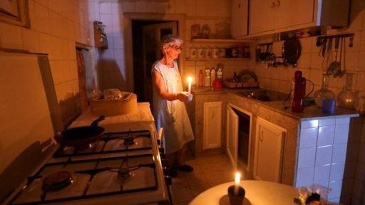 لبنان الى العتمة.. وانقطاع الكهرباء قد يهدّد حياة الناس!
