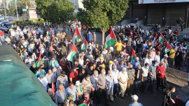 """مسيرة شعبية حاشدة دعماً للشعب الفلسطيني بمشاركة """"التقدمي"""" في صيدا"""