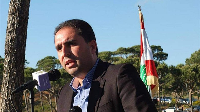 ناصر: هم جنبلاط الأساسي وقف الإنهيار