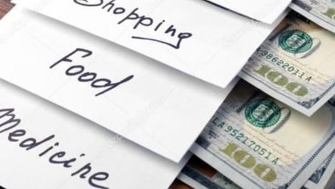 عقبات تواجه البطاقة التمويلية وأسئلة حول التمويل والآلية... وماذا عن التهريب؟