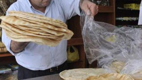 وزارة الاقتصاد تحدد سعر ربطة الخبز
