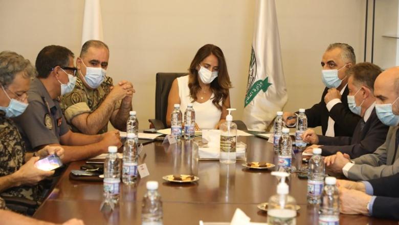 اجتماع طارىء في وزارة الدفاع.. القطاع الصحي في خطر