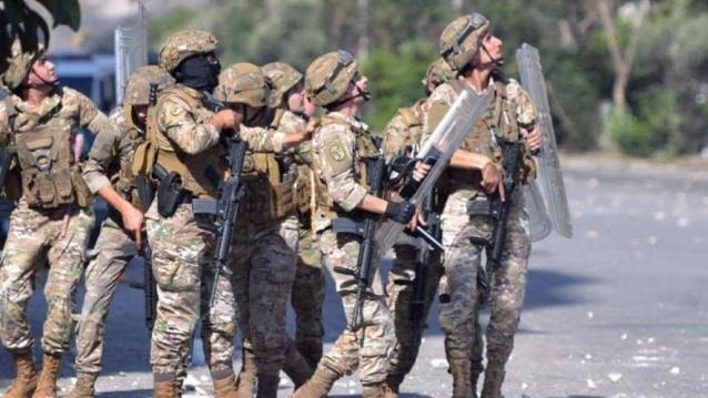 الإضراب صرخة وجع معيشية وإنذارٌ بوجه العرقلة.. ودعمٌ دولي للجيش درءاً للفوضى