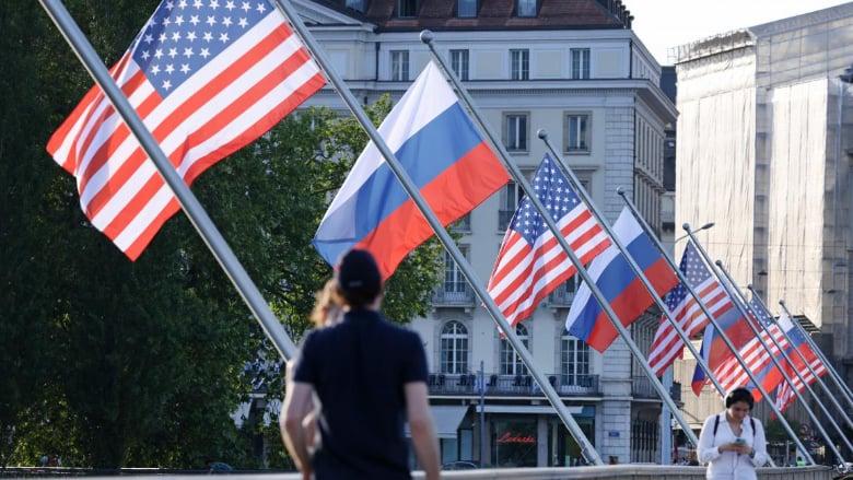 بايدن ـ بوتين... الاكتفاء بالتقاط الصور