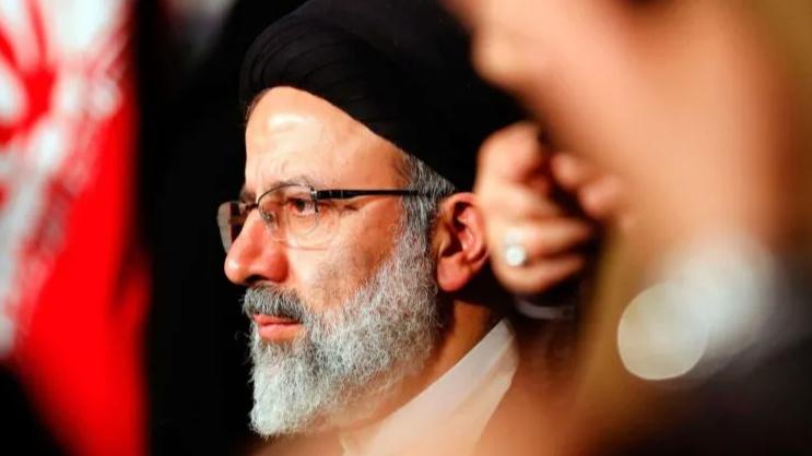 """الرئيس الإيراني الجديد.. مرشّح خامنئي """"الأقل خبرةً"""""""
