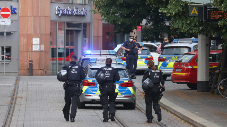 الشرطة الألمانية: قتلى وجرحى في إعتداء بالطعن في فيرتسبورغ وإعتقال المهاجم