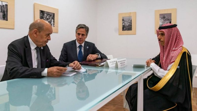 لبنان على طاولة أميركية - فرنسية - سعودية.. ورسالة للمسؤولين