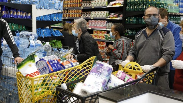 الأسعار إلى مزيد من الارتفاع.. والراتب للطعام فقط!