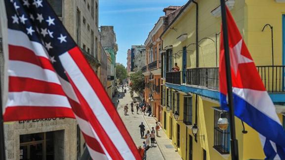 كوبا تندد بالعقوبات الأميركية بحق وزير دفاعها