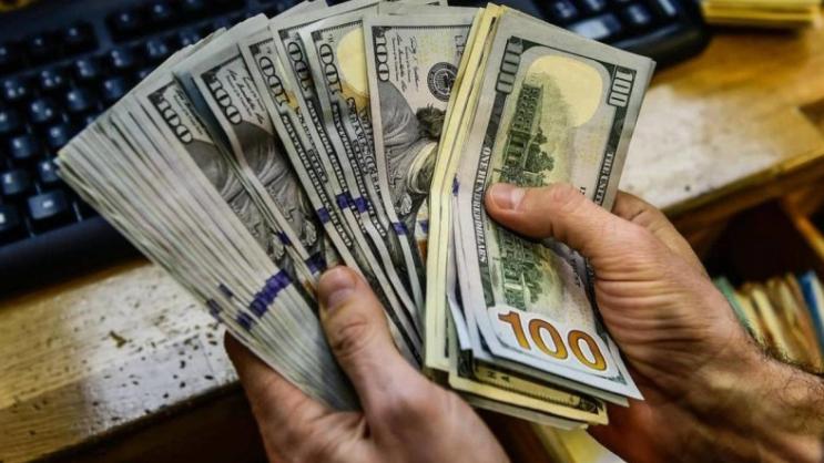 الدولار في تراجع مستمر.. كم سجّل؟