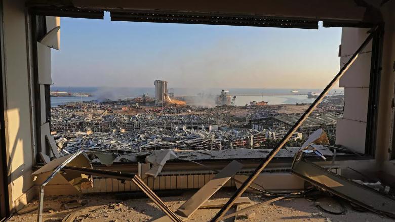 لبنان مبنى متصدّع الأساسات