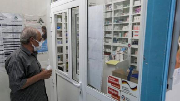 """رحلة البحث عن الدواء في """"مجاهل"""" النظام الصحي.. تطول"""