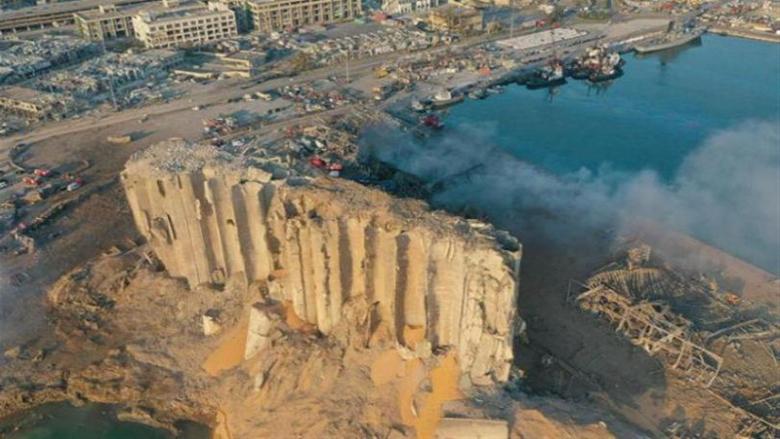 طائرات وطوافات للجيش فوق منطقة انفجار 4 آب تضامناً مع أهالي الشهداء