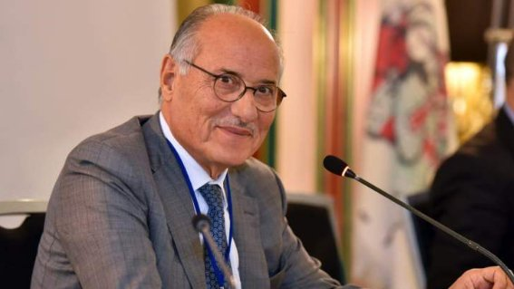 """الوزير عباس الحلبي لـ""""الأنباء"""": المهمة صعبة.. والهمّ الأول وقف الانهيار"""