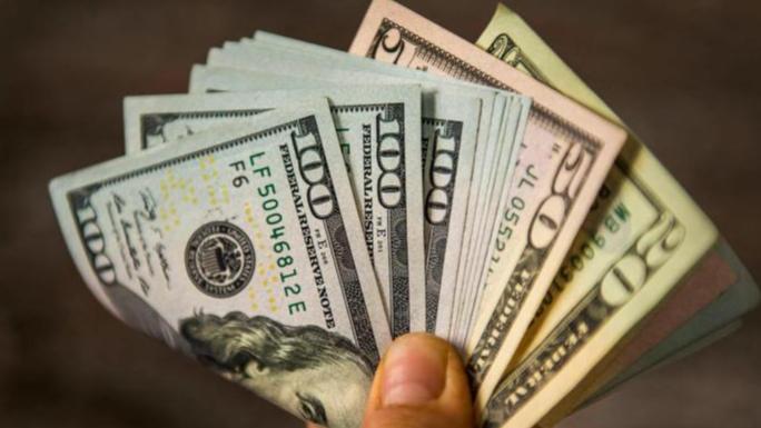تحرك مرتقب لإعادة توحيد أسعار صرف الليرة