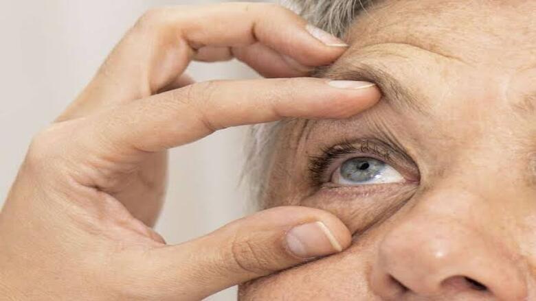 مشاكل العيون تزيد فرص الإصابة بالخرف والأمراض العقلية