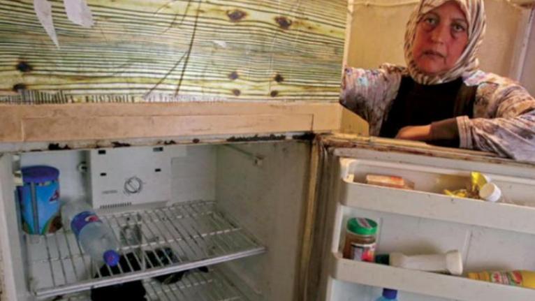 إنقطاع التيار الكهربائي يغيّر أسلوب اللبنانيين في الطعام.. اللحم يختفي وزيت الزيتون يحل محله