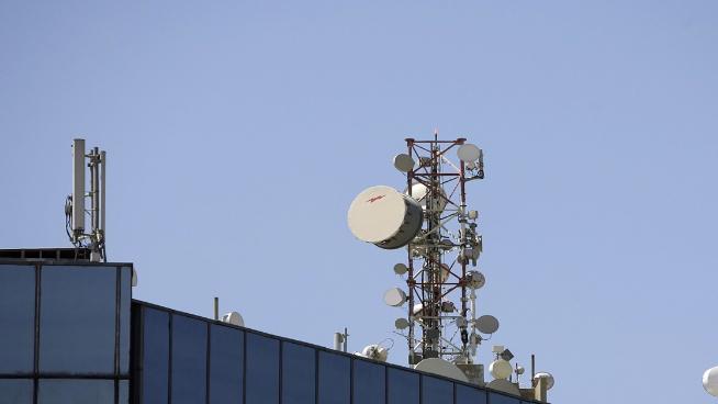 قطاع الخلوي: مصاريف بقيمة 5 مليارات دولار... ولا اتصالات!